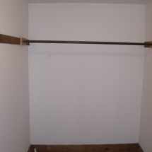 frontbedcloset